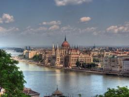 Budapest Parlament Building 266x200 - Zaključene skupine – Šole