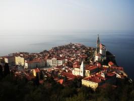 Piran Slovenia 266x200 - Zaključene skupine – Odrasli