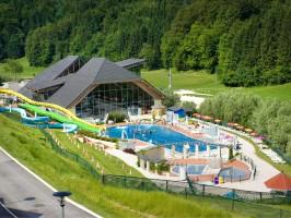 bazen od zgoraj Maticic 266x200 - Turistična ponudba