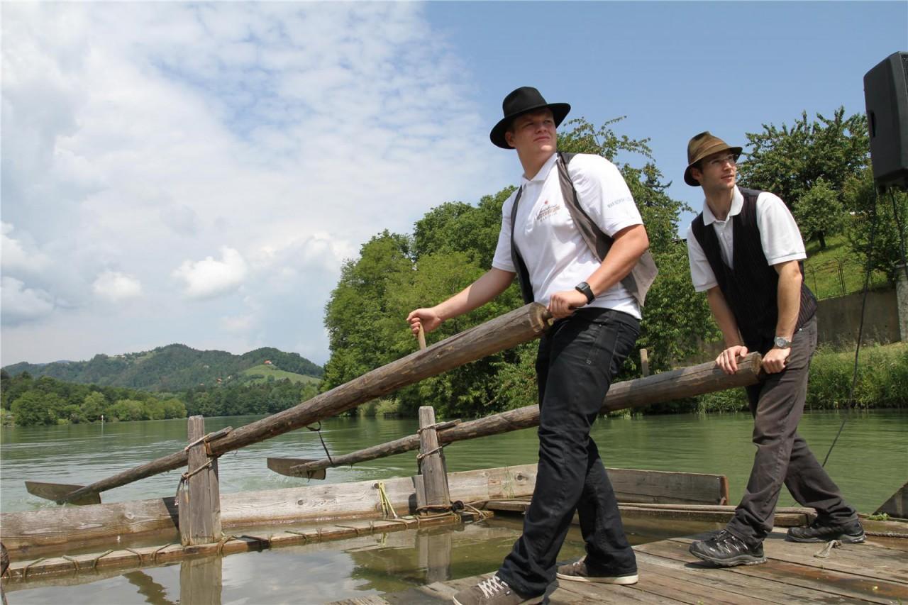 splavarjenje na dravi timber rafting on river drava maribor vesna male - KOROŠKA, s splavom po Dravi