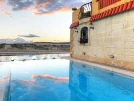 Pool4 R 266x200 - Turistična ponudba