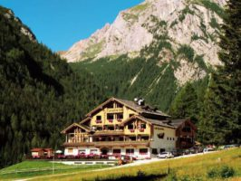 21472 tyrolia estate 266x200 - Turistična ponudba