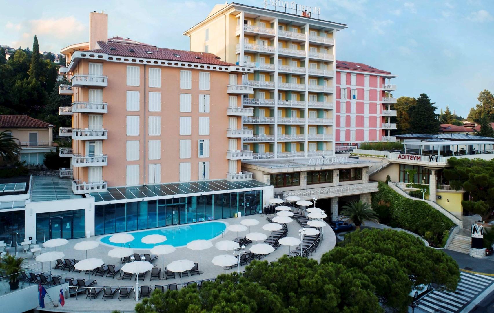 hotel riviera outside facade pool flip 2 - PORTORŽ
