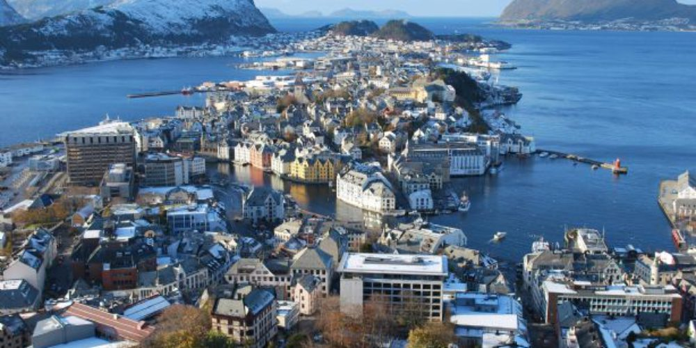 Alesund in norveški Fjordi
