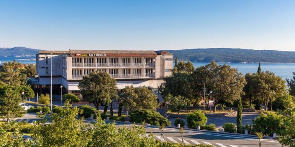 HOTEL in PAVILJONI AD TURRES
